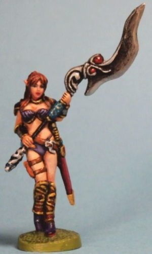 Aurora Model 1/48 Female Elf With Halberdier
