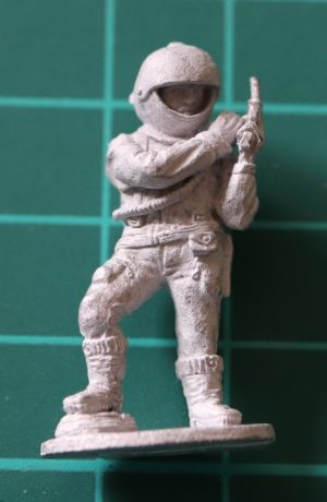 Denizen Miniatures 25mm Adventurer Cocking Gun