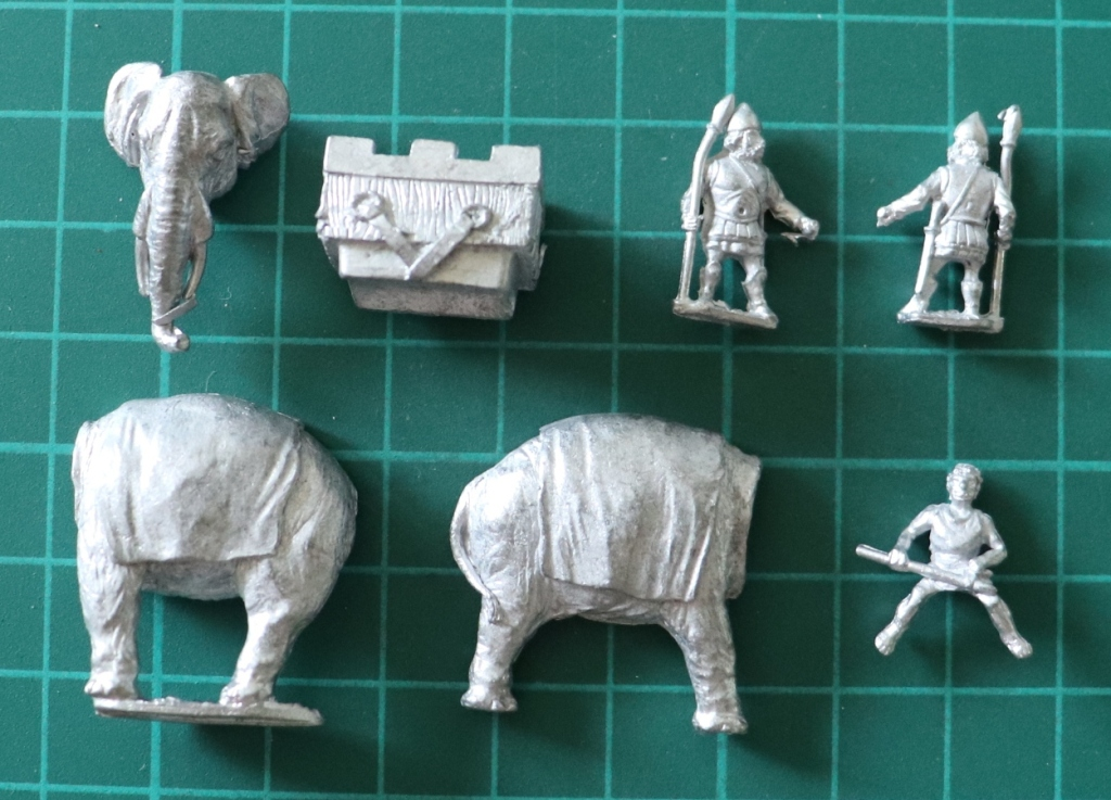 Essex Miniatures 15mm Carthaginian Indian Elephant with Driver and Javelin Men